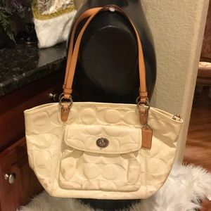 Coach cream patent embossed leather shoulder bag